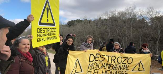Concentración en Guadalajara contra la actuación del Ayuntamiento en el río Hena