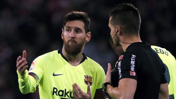 Messi y el árbitro