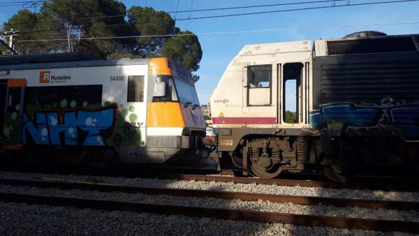 Retirada de trenes tras el accidente de Castellgalí (Barcelona)