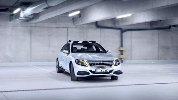 Autónomo y con señales luminosas 360 grados, así es el nuevo coche de Mercedes.
