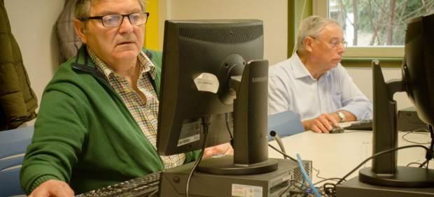 Una jornada en Bizkaia analiza la imagen estereotipada de las personas mayores