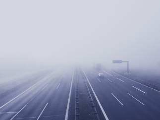 Cinco claves para conducir con niebla