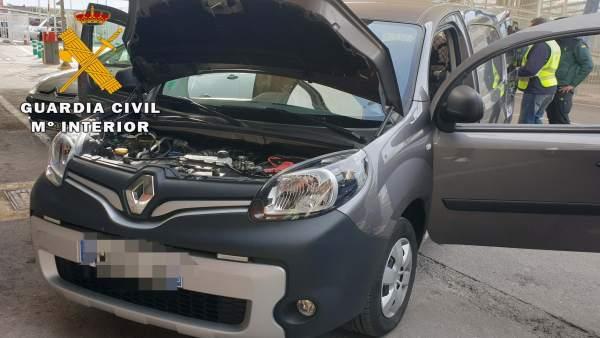 Vehículo sustraído recuperado en el Puerto de Almería