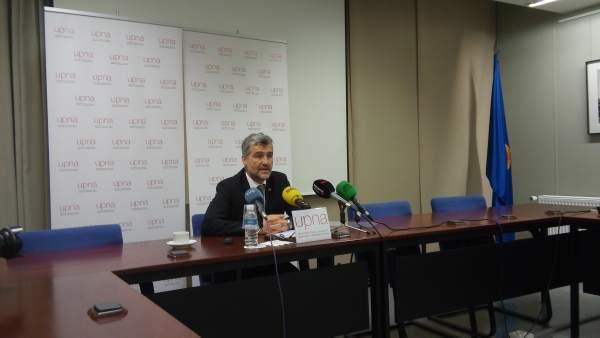 El rector de la UPNA, Alfonso Carlosena