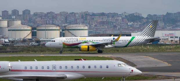 Aviones en el aeropuerto Seve Ballesteros