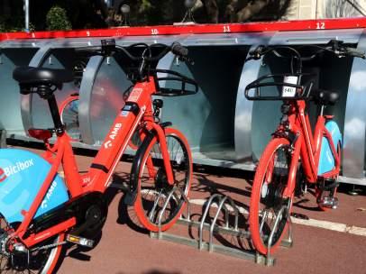 Dos bicicletas del nuevo servicio E-Bicibox.