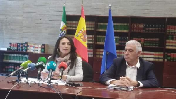 La consejera de Educación y Empleo de la Junta de Extremadura, Esther Gutiérrez,