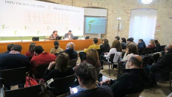 Reunión de trabajo para planificar la Feria de los Pueblos de Jaén 2019.