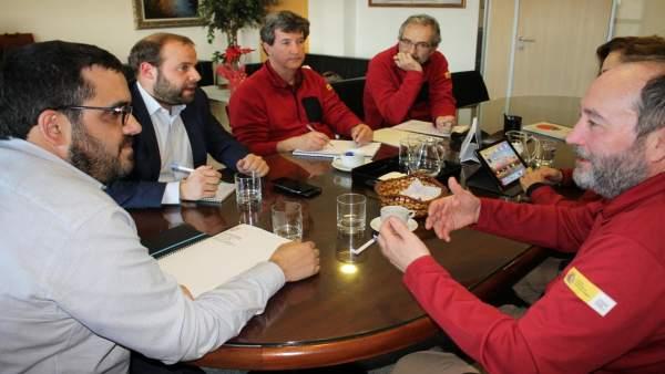 Conseller de Agricultura, Vicenç Vidal, con el director del OAPN, J.J. Areces