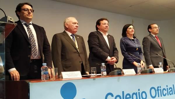 Guillermo Fernández Vara en el Colegio de Enfermería de Cáceres