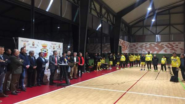 Inauguración del nuevo pabellón polideportivo de Chilluévar