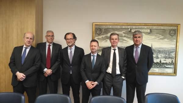 Seis de los ocho socios fundadores de Zurbarán Abogados