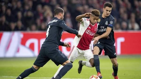 La pegada del Real Madrid tumba al Ajax y le acerca a los cuartos de la  Champions bff40b3684424