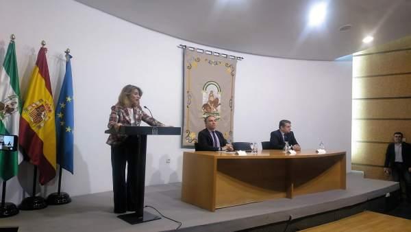 Ana Mestre en un acto con Elías Bendodo y Antonio Sanz