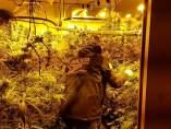 Agente de Mossos en una operación con Policía Nacional contra tráfico de drogas.
