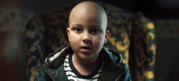 Álvaro, un niño con cáncer que lanza un mensaje positivo