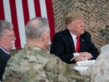 John Bolton junto a Donald Trump