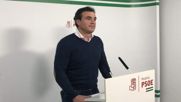 El secretario general del PSOE de Bollullos, Rubén Rodríguez.
