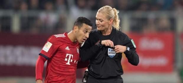 La televisión iraní cancela la emisión del partido del Bayern por ser arbitrado por una mujer