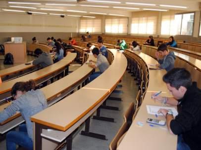 Alumnos, exámenes, aula, examen