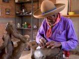 El escultor ciego que cambió la vista por el tacto