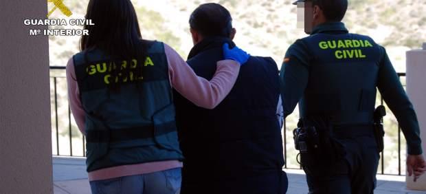 Detenido un vecino de Águilas por incitar al odio en redes sociales contra inmigrantes