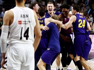 El Barça celebra la conquista de la Copa del Rey