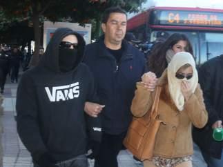 El Cuco y su madre acuden al juzgado citados a declarar por falso testimonio