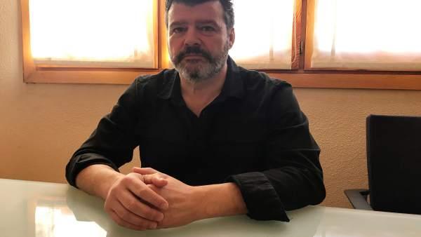 Javier Allué en su despacho en el edificio Pignatelli