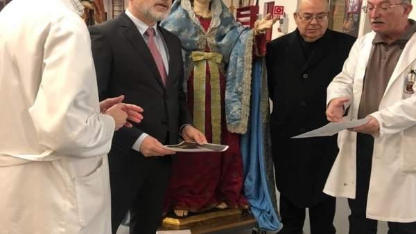 Juan Antonio Lorca, Durante La Entrega De La Talla De La Virgen De Los Dolores D
