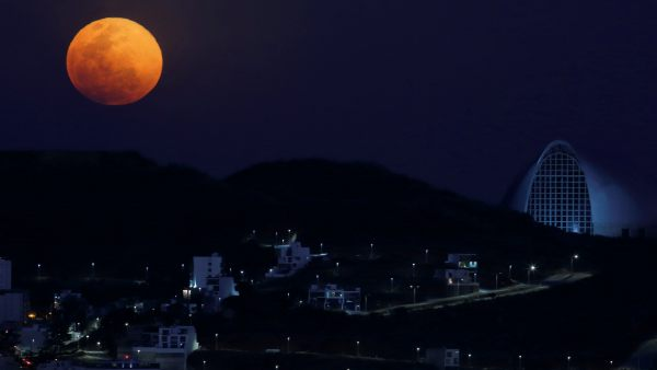 Impresionantes imágenes de la 'luna de nieve'