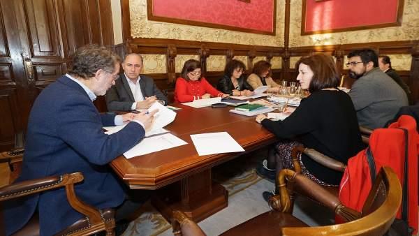 Manuel Saravia preside la Junta de Gobierno del Ayuntamiento de Valladolid
