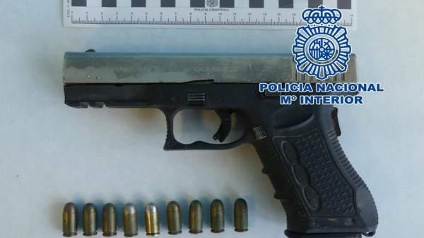Detenido por amenazar a sus vecinos con una pistola