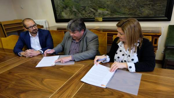 Consellera insular Mercedes Garrido, alcalde de sa Pobla Biel Ferragut y Bartome