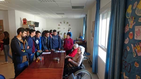 Taller de actividades intergeneracionales de la Diputación de Huelva