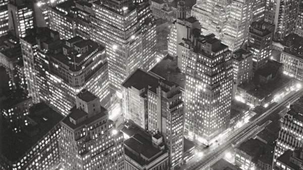 Berenice Abbott. Vista aérea de Nueva York de noche, 20 de marzo de 1936