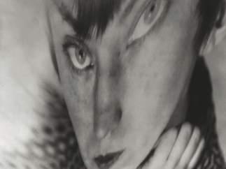 Berenice Abbott. Autorretrato, distorsión, ca. 1930