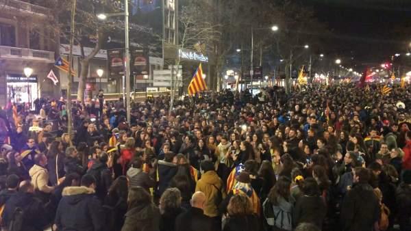 Manifestación en Barcelona en apoyo de la huelga general