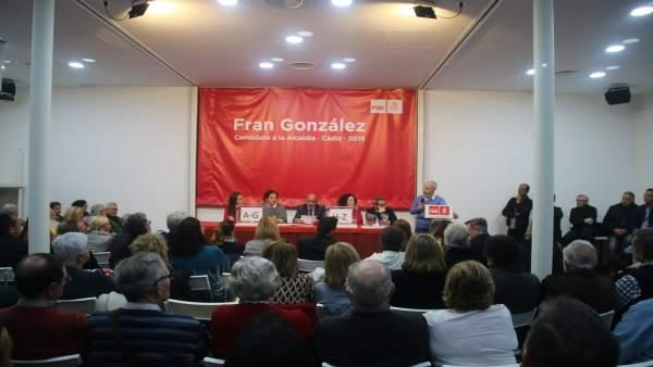Asamblea del PSOE de Cádiz que ha aprobado la candidatura a las municipales