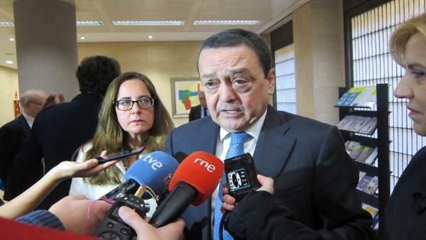 El presidente de la CROEM, José María Albarracín responde a los medios