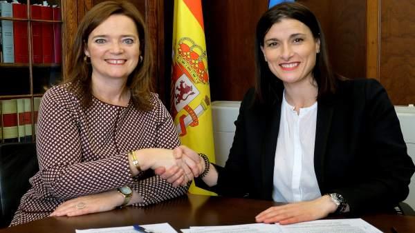 Ayuntamiento y Ministerio de Hacienda formalizan la cesión del Archivo Histórico