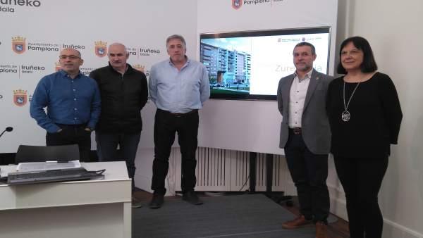 Presentación de la construcción de 32 viviendas de alquiler en Azpilagaña para m