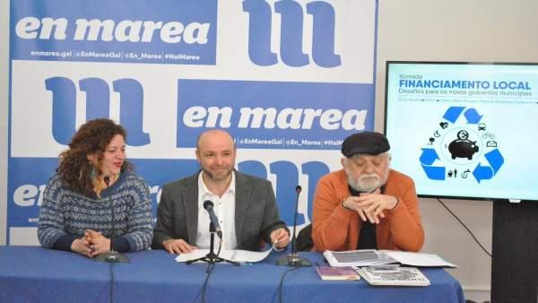 El portavoz de En Marea, Luís Villares, y Ana Seijas en la presentación de unas