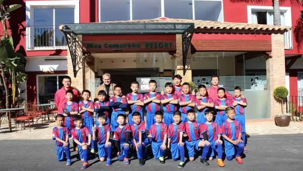 Varios jóvenes promesas del fútbol asiático se instalan en Mas Camarena Students