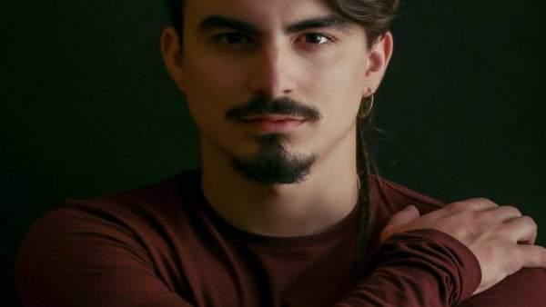 El poeta Andrés Avendaño recita este lunes en El Sur dentro de los 'Lunes Litera