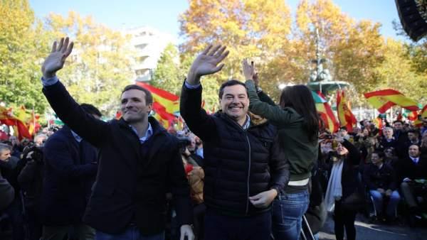 Pablo Casado y Juanma Moreno en Granada