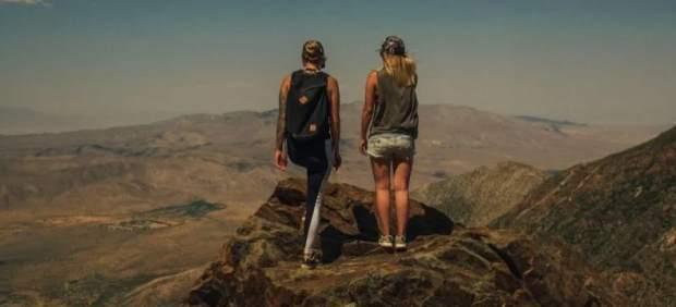 La agencia de viajes busca dos desconocidos para viajar gratis por todo el mundo.