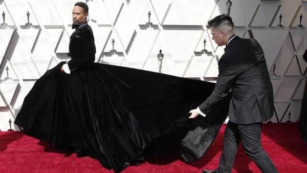fd6859d70f Alfombra roja Oscar 2019: Billy Porter y su esmoquin negro y falda de gran  volumen