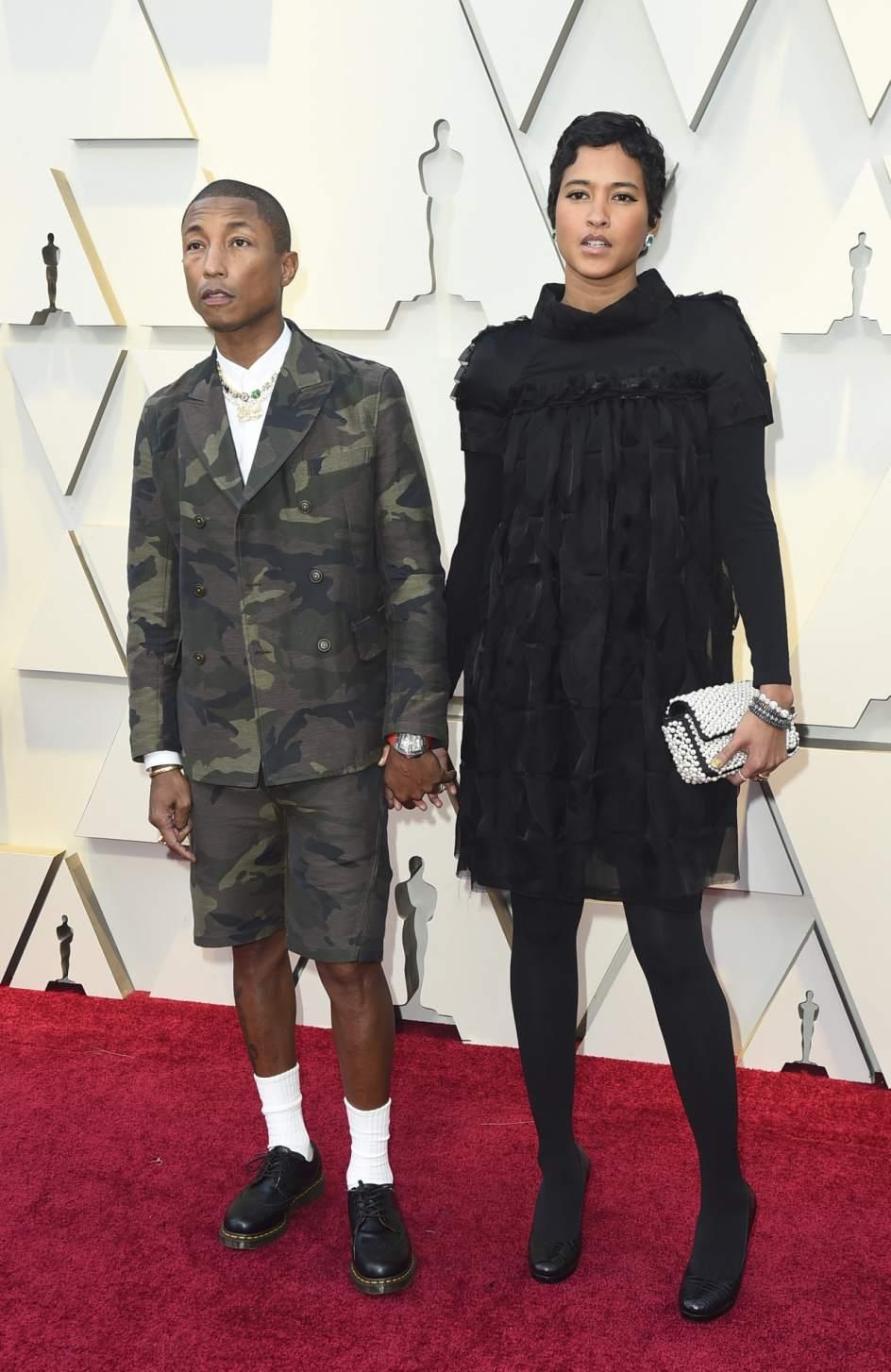 Foto: Pharrell Williams y Helen Lasichanh | Alfombra roja ...