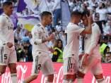 Casemiro celebra un gol junto a Lucas